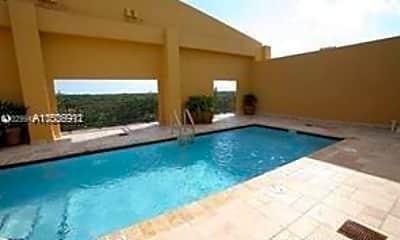 Pool, 5271 SW 8th St 509, 2