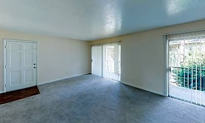 Living Room, Oasis Club, 2