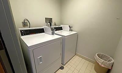 Bathroom, 1300 Sacramento St, 2