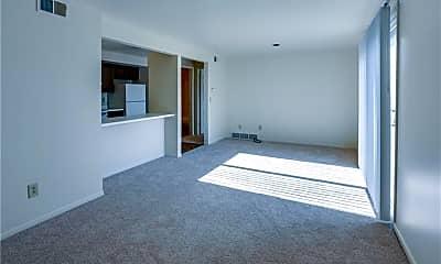 Living Room, 4369 Chestnut Ridge Rd, 1
