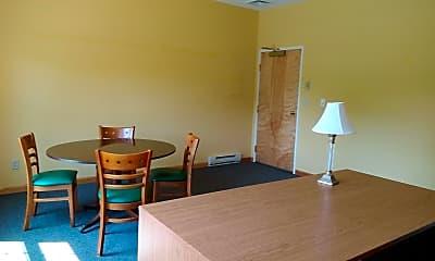 Dining Room, 607 NY-295, 1