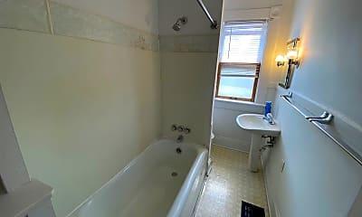 Bathroom, 1495 Pennsylvania Ave, 2
