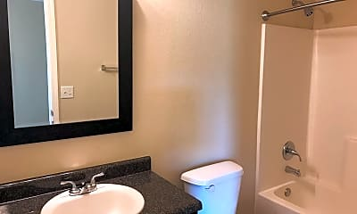 Bathroom, 5800 N 34th St, 2
