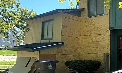 Building, 1000 Laurel St, 1