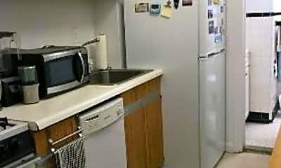 Kitchen, 213 E 88th St, 1