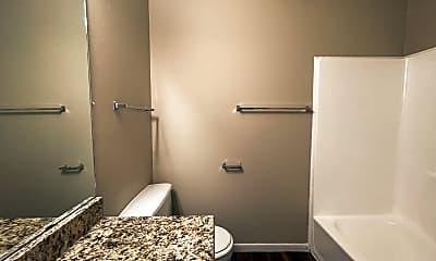Bathroom, 609 S 5th St, 2