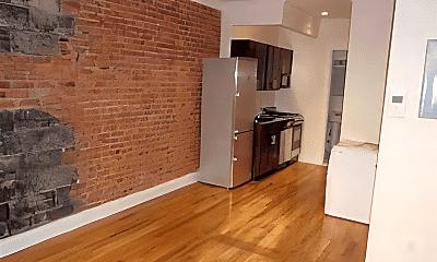 Kitchen, 350 E 81st St, 1