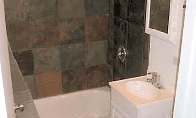 Bathroom, 2837 W Washington Blvd, 2