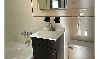 Bathroom, 1606 1st Avenue, 2