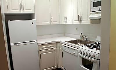 Kitchen, 192 E 76th St, 1