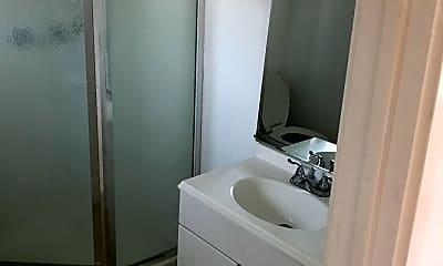 Bathroom, 19 E Ellis St, 2