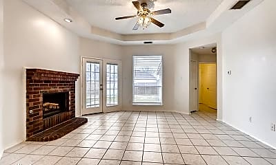 Living Room, 2700 Clearwater Dr, 1