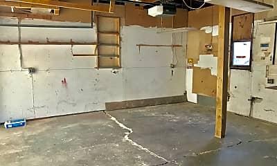 Building, 1445 S Market St, 2
