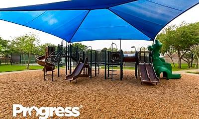 Playground, 919 Walnut Pointe, 2