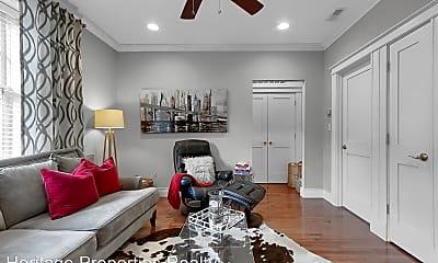 Living Room, 4101 Magnolia Ave, 1