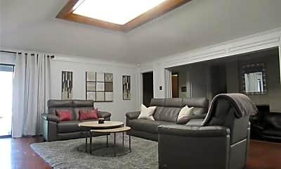 Living Room, 414 Fieldwood Dr, 1