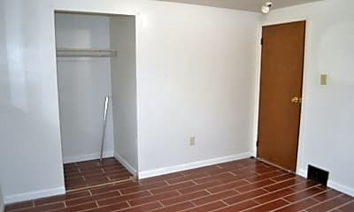 Bedroom, 401 6th St, 2