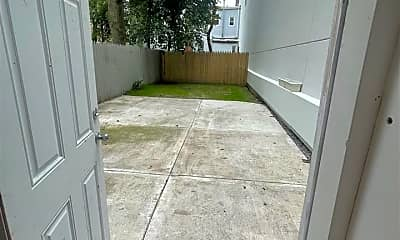 Patio / Deck, 87 Monitor St, 2