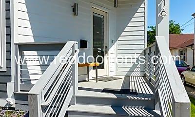 Patio / Deck, 616 Stevens St, 1