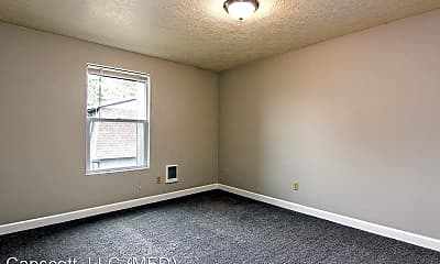 Bedroom, 550 SW Edmunston St, 2