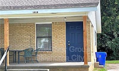 Patio / Deck, 1018 Arkansas St, 1