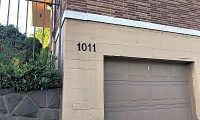 1011 NE Prescott, 1