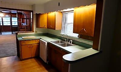 Kitchen, 904 S Webber St, 1