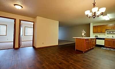 Carlton Apartments, 2