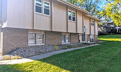 Building, 332 N 154th St, 0