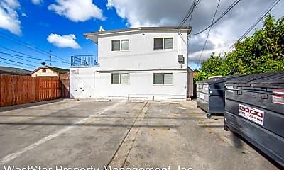 Building, 1470 Elm Ave, 2
