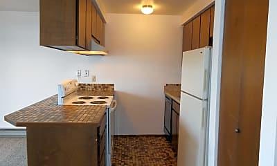 Kitchen, 2020 Texas St, 1
