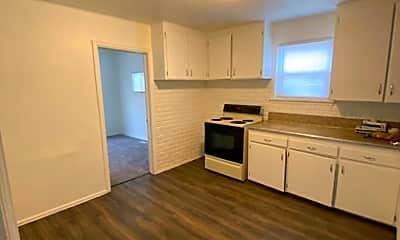 Kitchen, 2322 E Orman Ave, 1