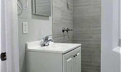 Bathroom, 905 Alamitos Ave, 2