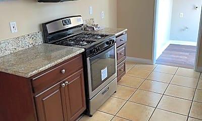 Kitchen, 511 Ridgeway Ln, 1