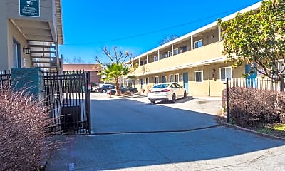 Building, 271 N 6th St, 2