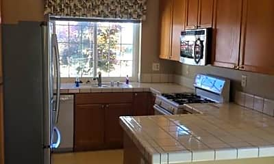 Kitchen, 1113 Knopfler Cir, 1