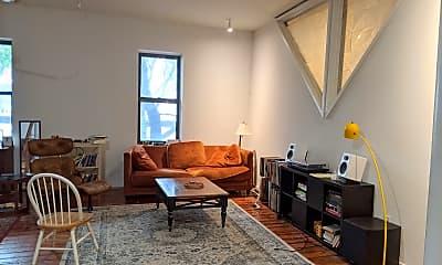Living Room, 600 W 18th St 2, 1