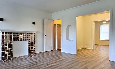 Living Room, 800 East Dr, 0
