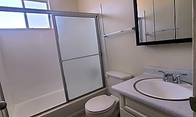 Bathroom, 7534 Walnut Dr, 2