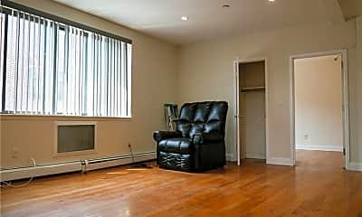 Living Room, 4011 Bronxwood Ave 2, 2