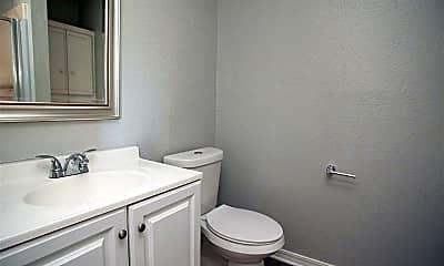 Bathroom, 617 S Pine St, 2