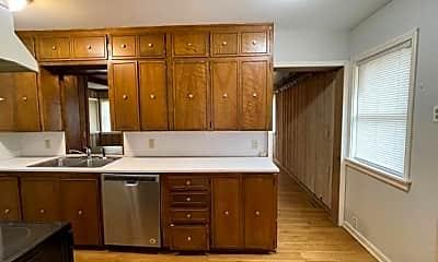 Kitchen, 1207 E Del Mar St, 1