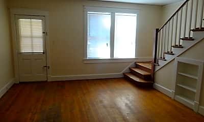 Living Room, 20 Warren Ct, 1