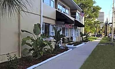 Park Plaza Boutique Apartments, 2