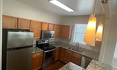 Kitchen, 6727 Deseo 354, 1