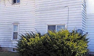 Building, 424 W Paradise St, 1