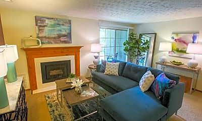 Living Room, Mallard's Crossing Apartments, 0