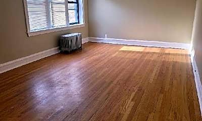 Living Room, 6219 N Artesian Ave, 2