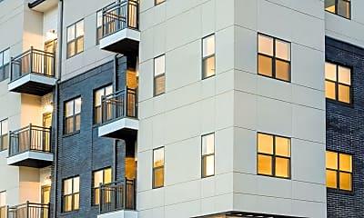 Building, 782 Riverfront Pkwy 403, 1
