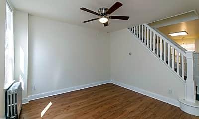 Bedroom, 749 Watkins St, 1
